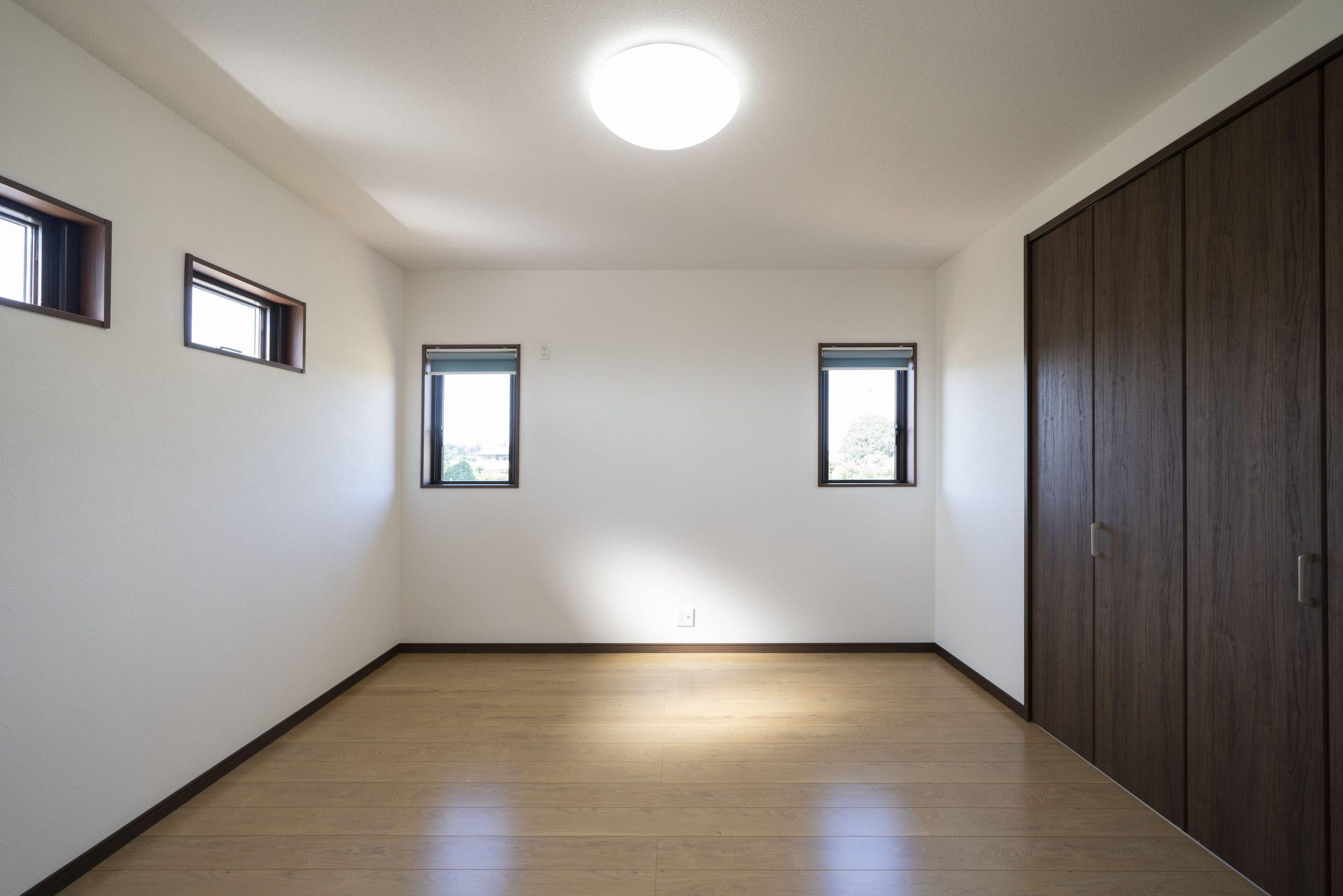 必要最低限のコンパクトな寝室