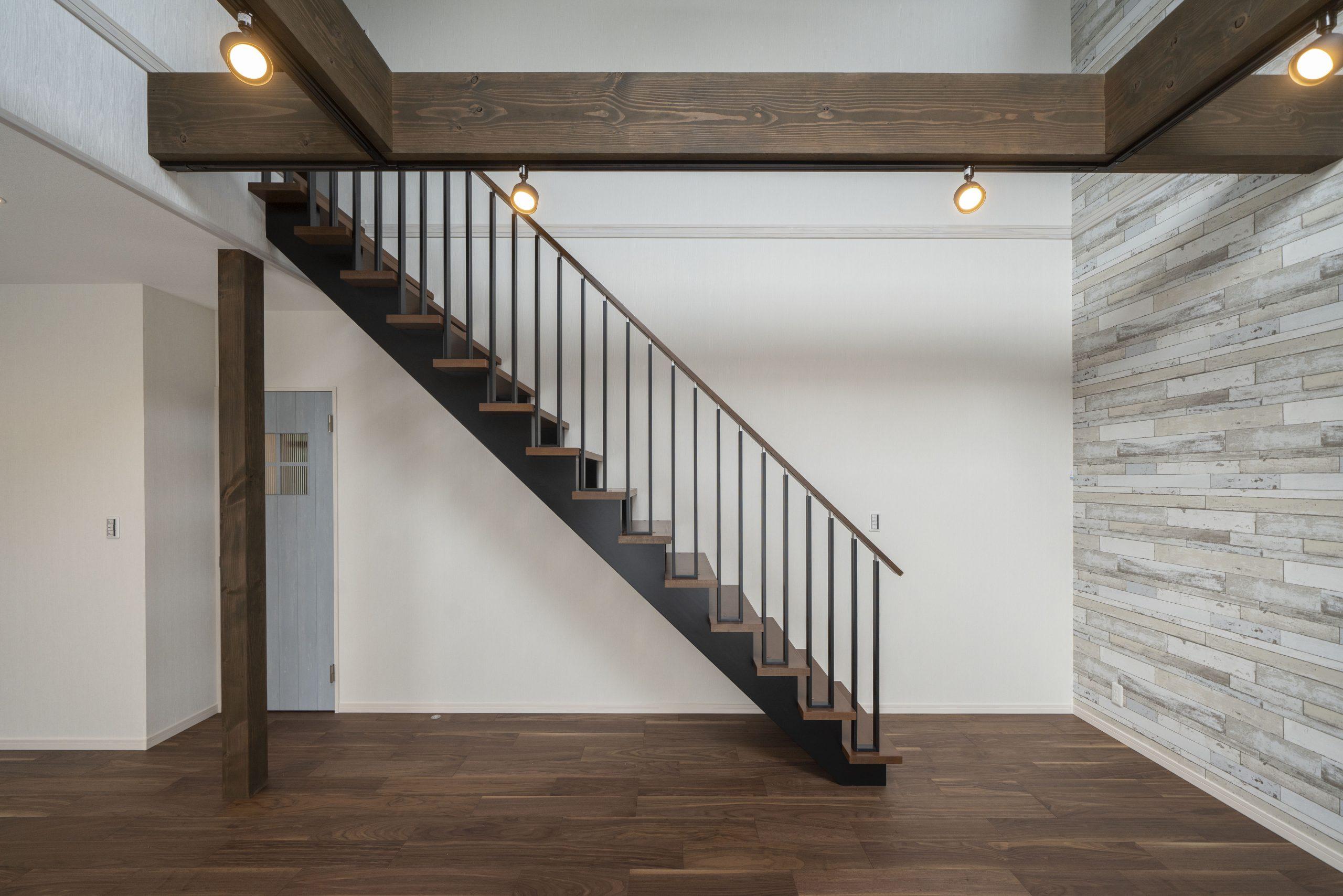 リビングのスケルトン階段