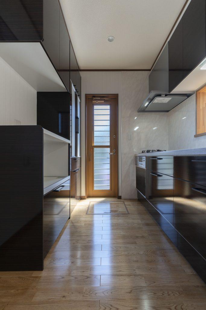 4LDKの注文住宅の建築実例:キッチンも広々とした間取り