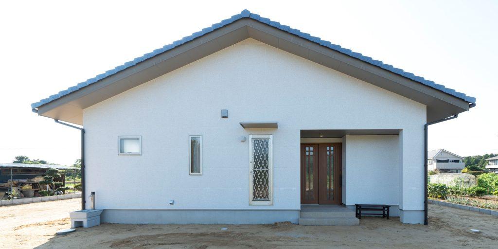 平屋の建築実例(外観)切妻屋根