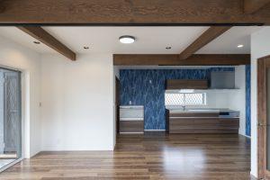 家電収納のある壁付けキッチン